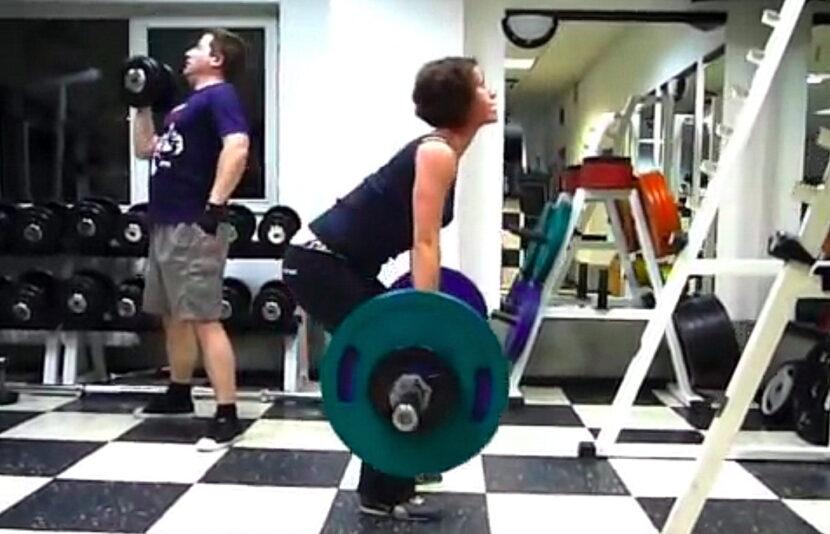 Жена вдига 90 кг мъртва тяга