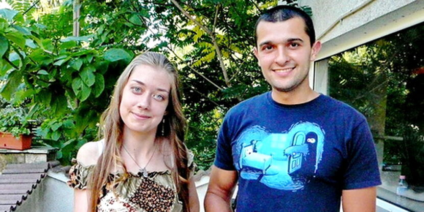 Ангел Стоянов с клиентката ни Дона със сколиоза