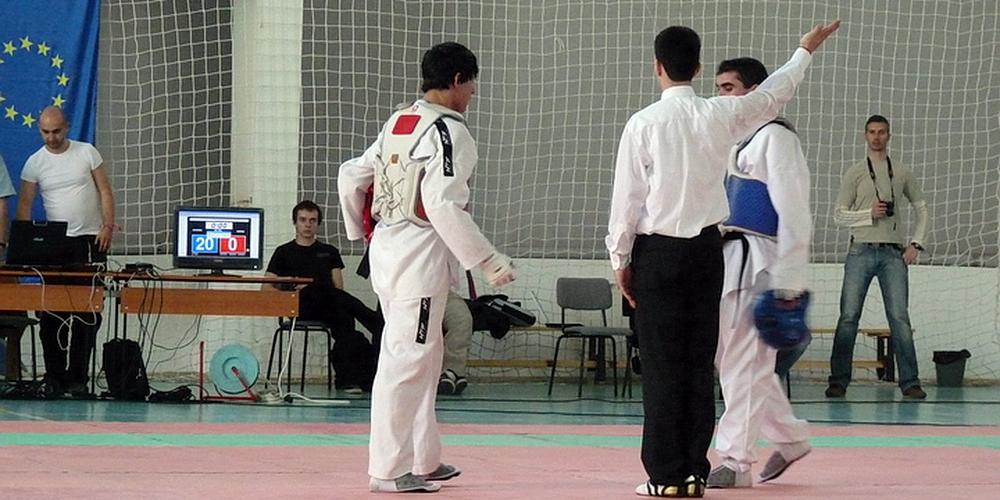 Димитър Михайлов побеждава Таекуодно с резултат 20:0